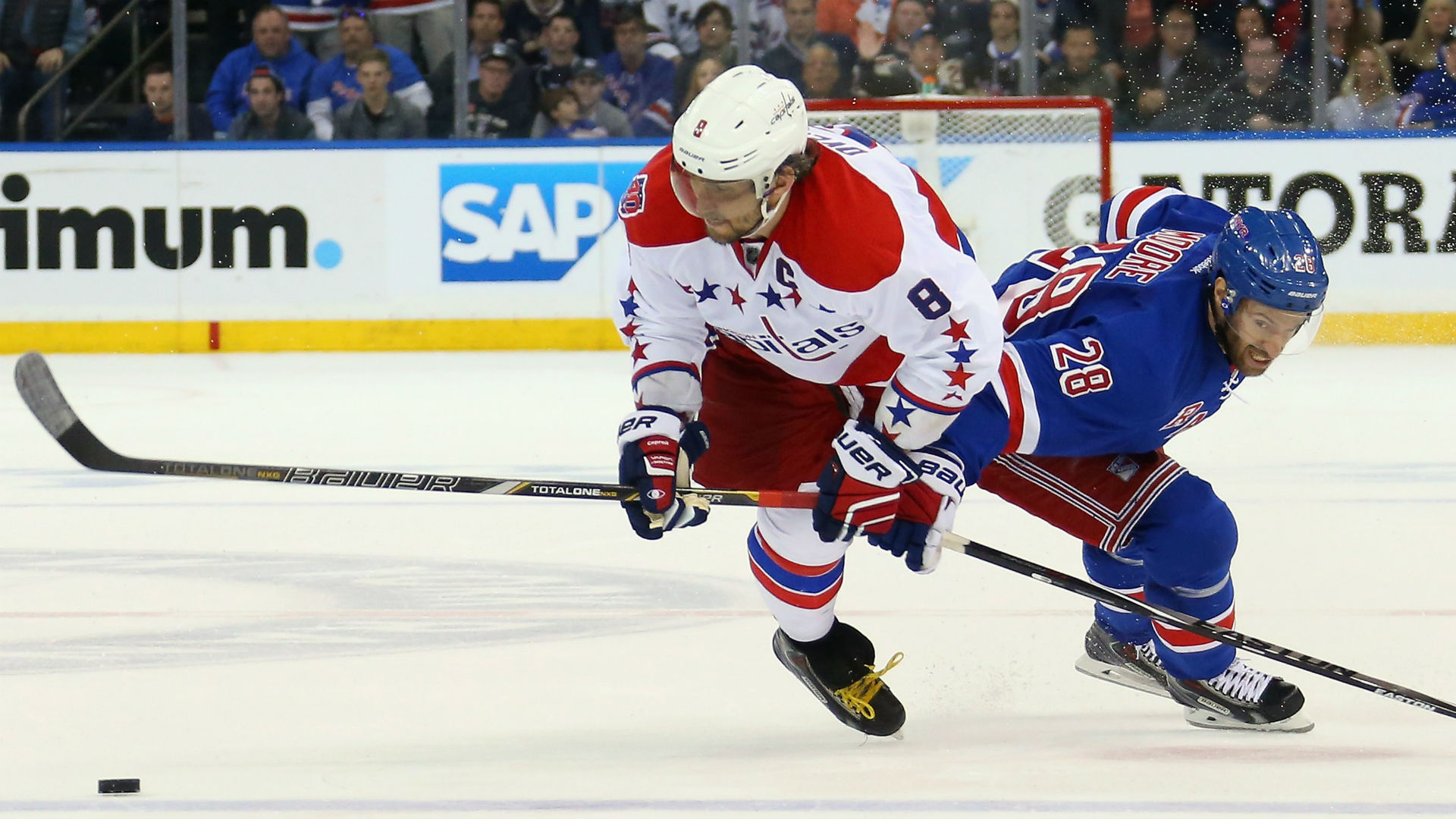 Alex Ovechkin splits the Rangers D for incredible goal