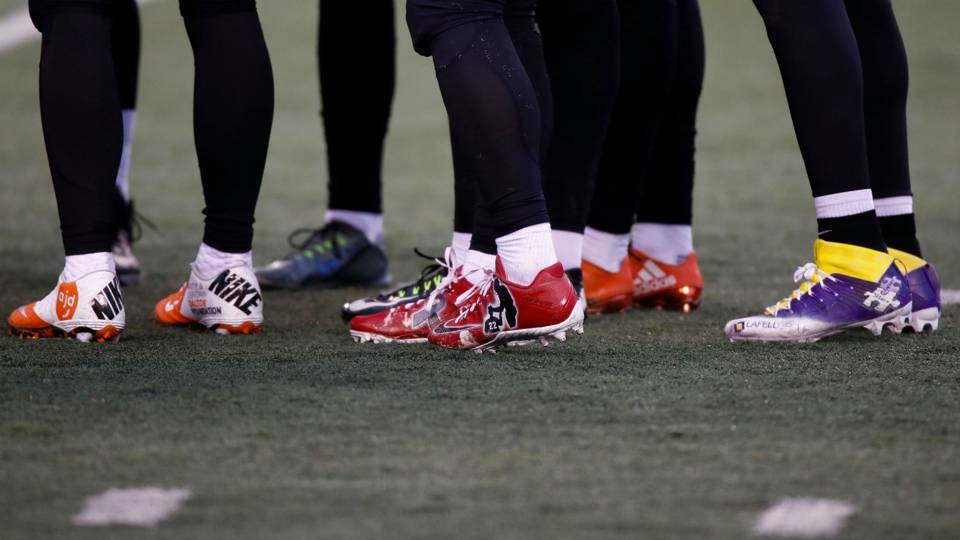 NFL-cleats-112918-Getty-FTR.jpg