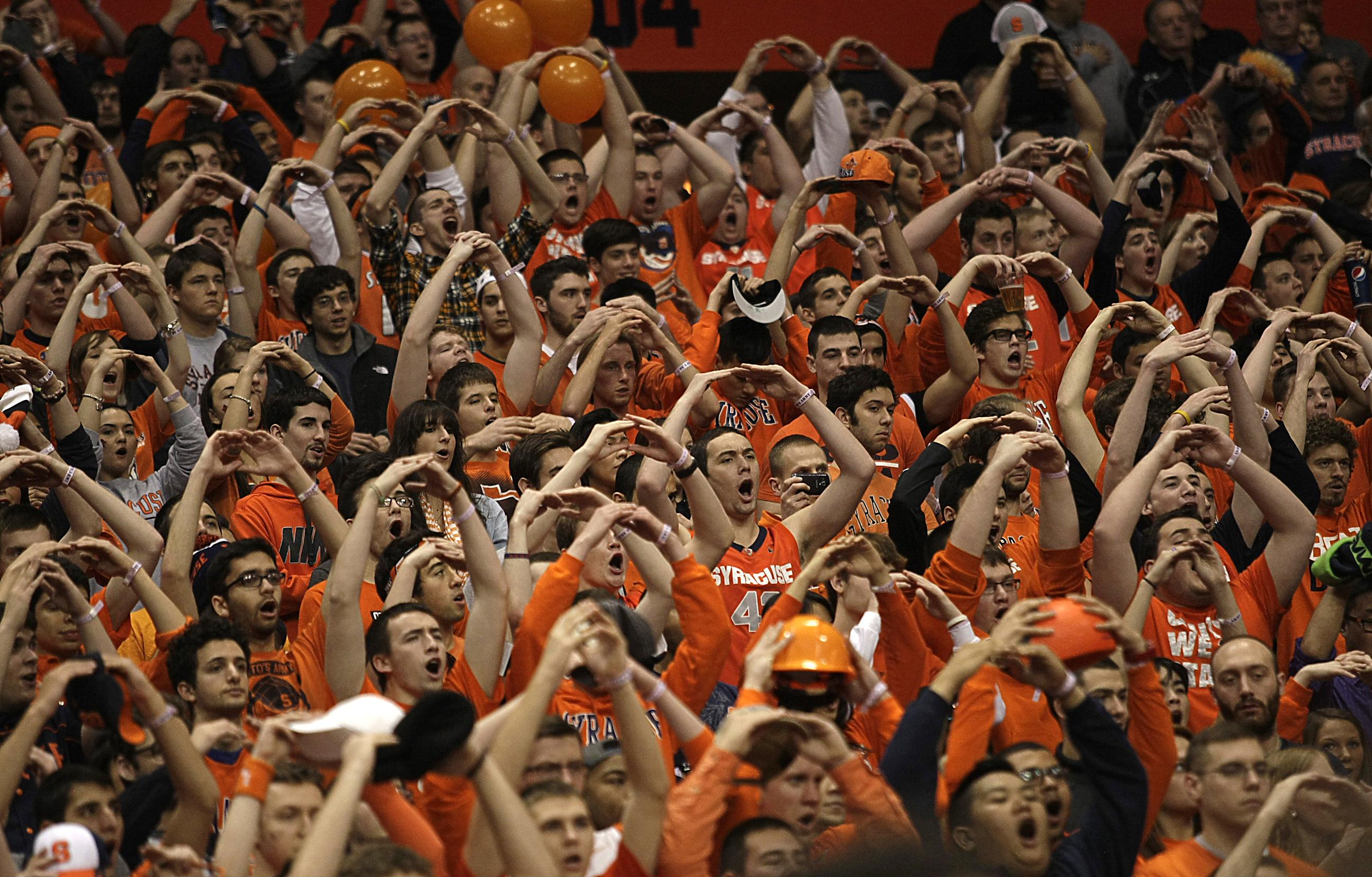 Syracuse University fans