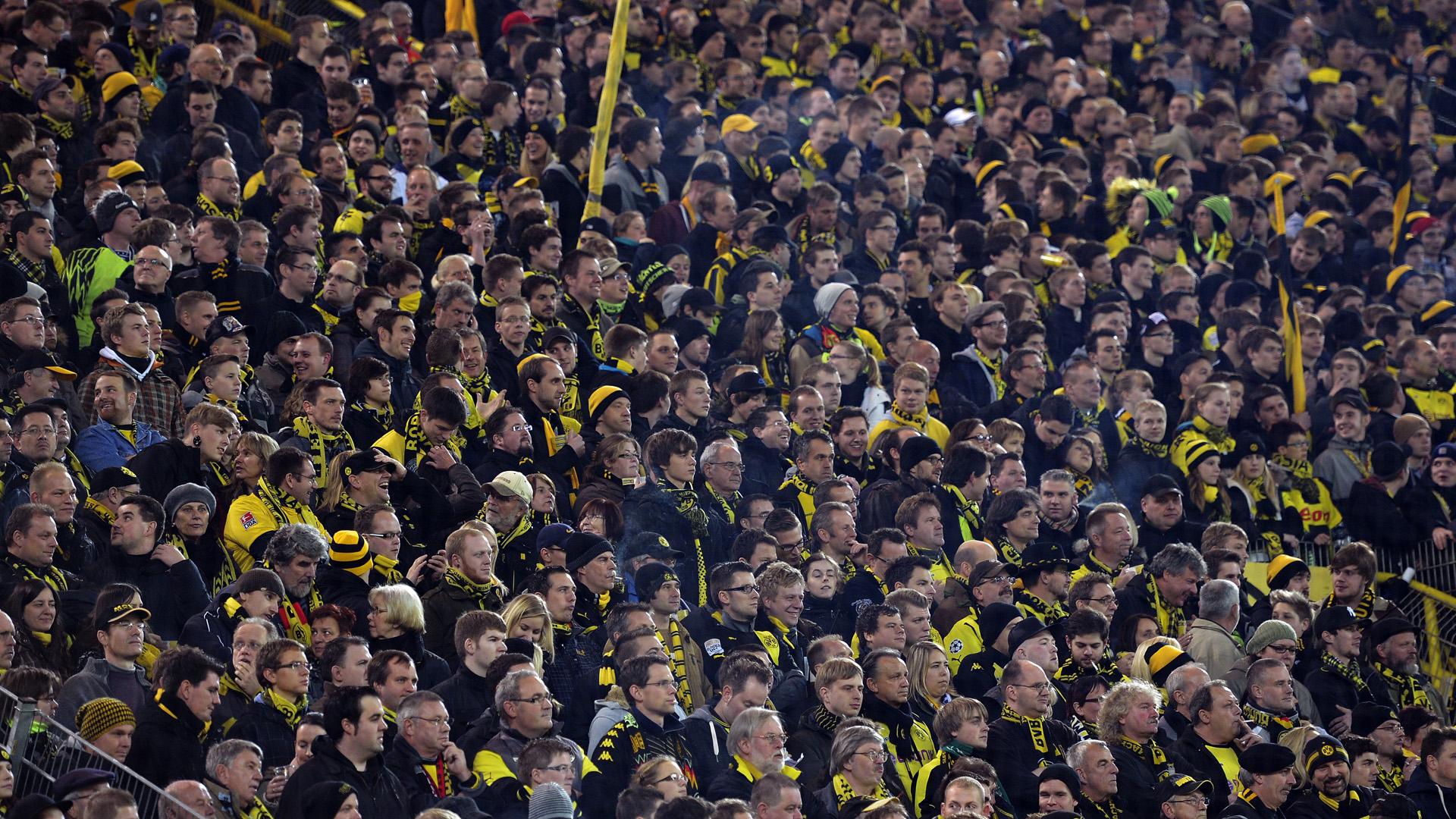 Dortmund-fans-FTR-022514.jpg