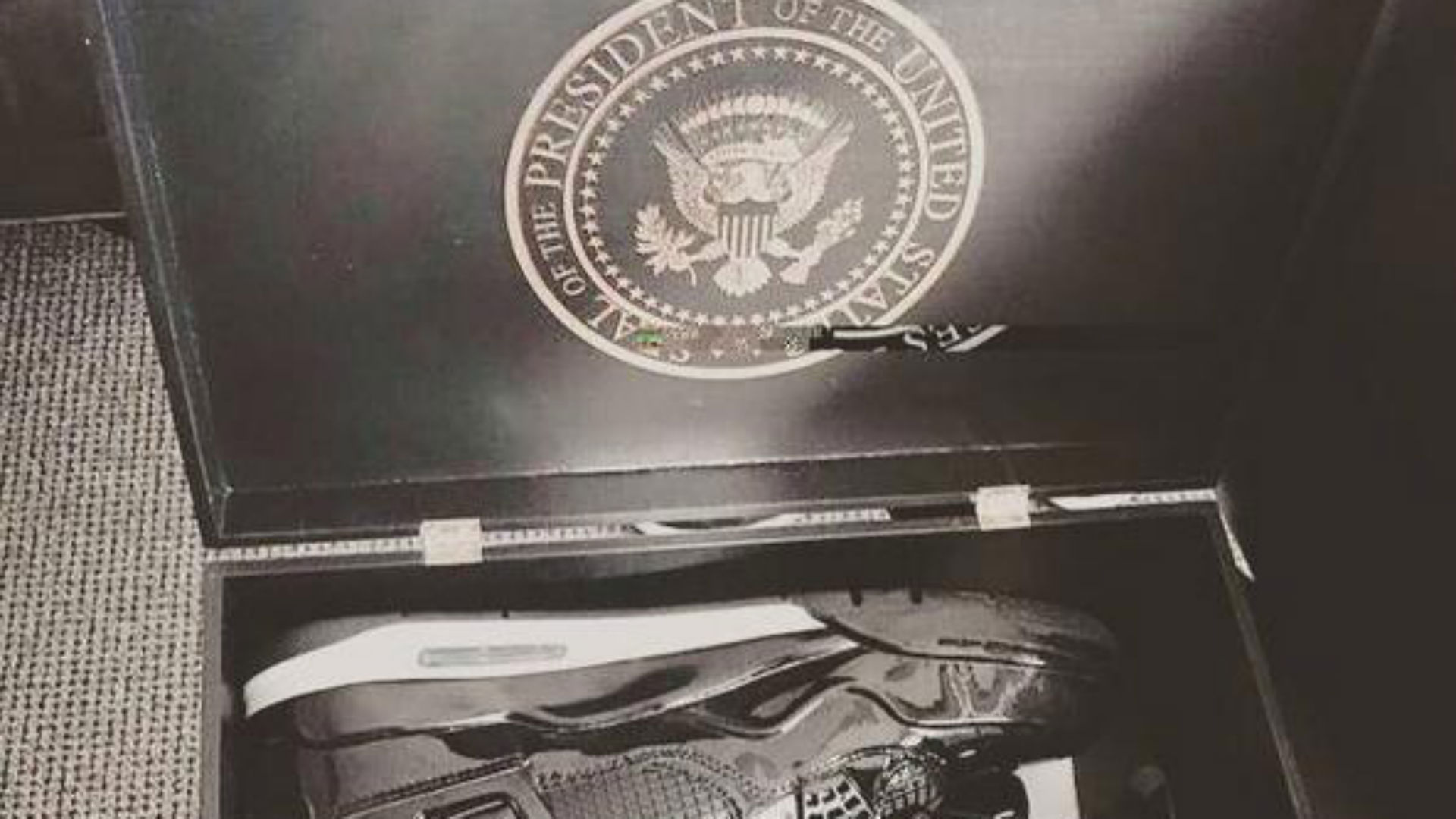 5cc58d759ac Nike gifts Barack Obama a super-fancy pair of Air Jordan 11Lab4 ...