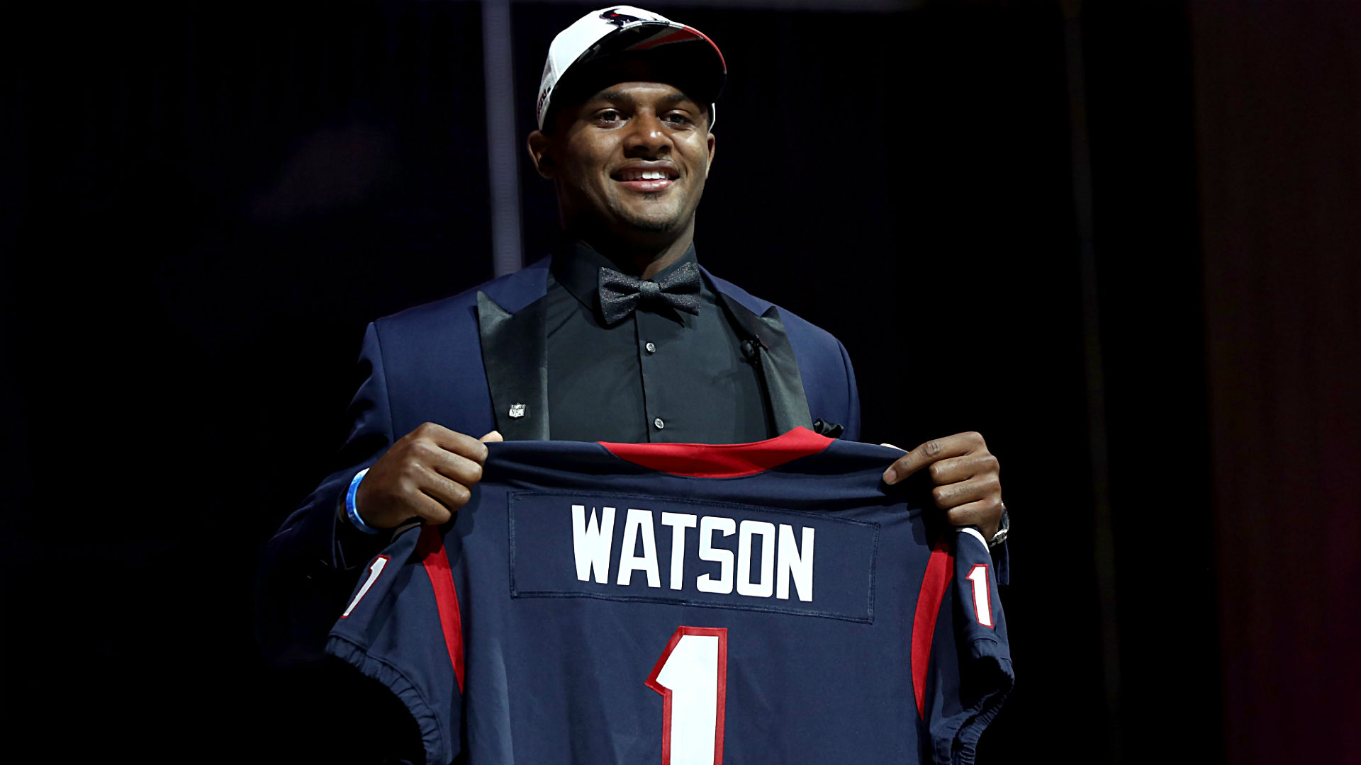 Deshaun Watson donates first National Football League game check to Houston flood victims