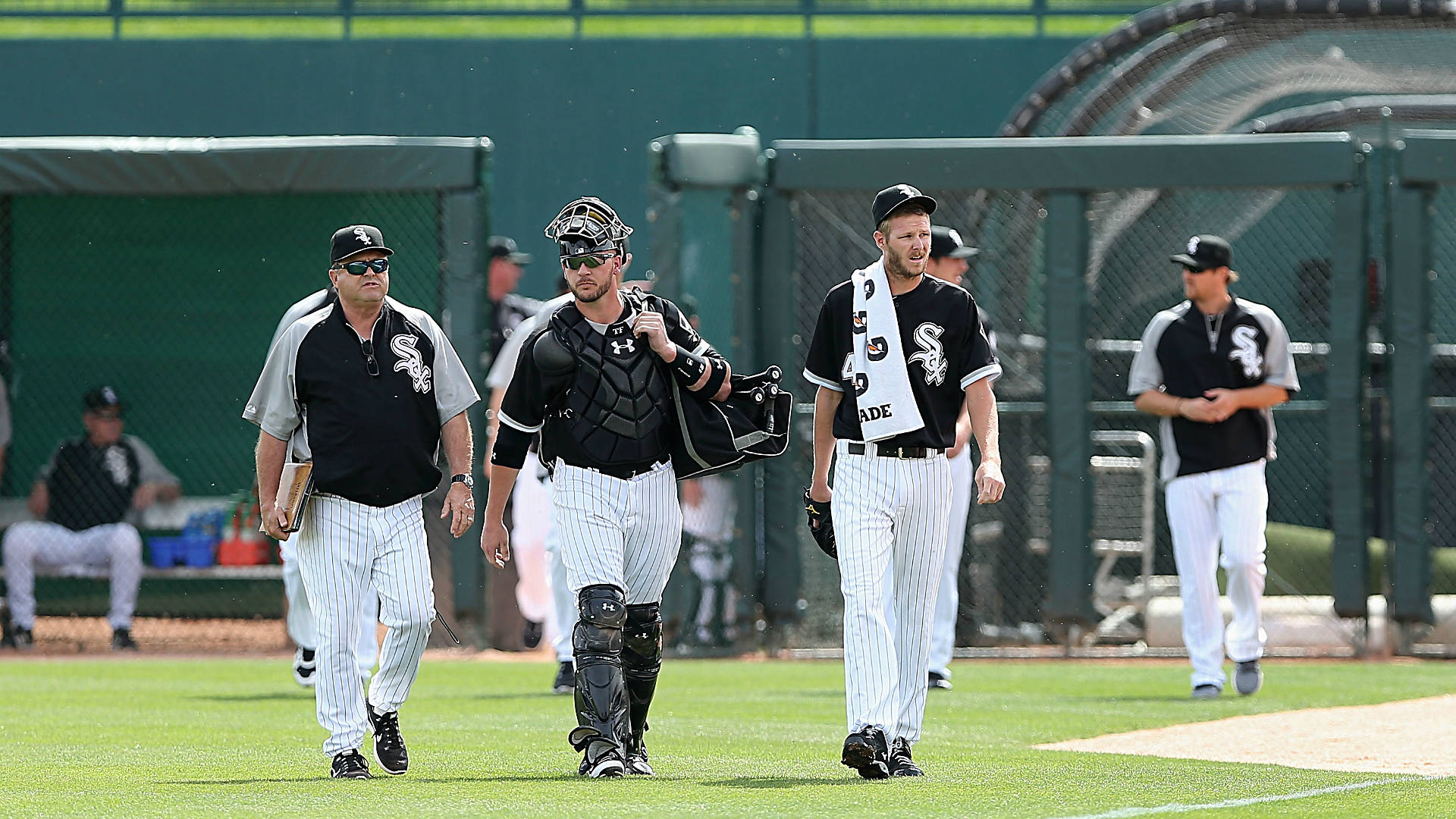 When do pitchers and catchers report? 2015 spring training reporting