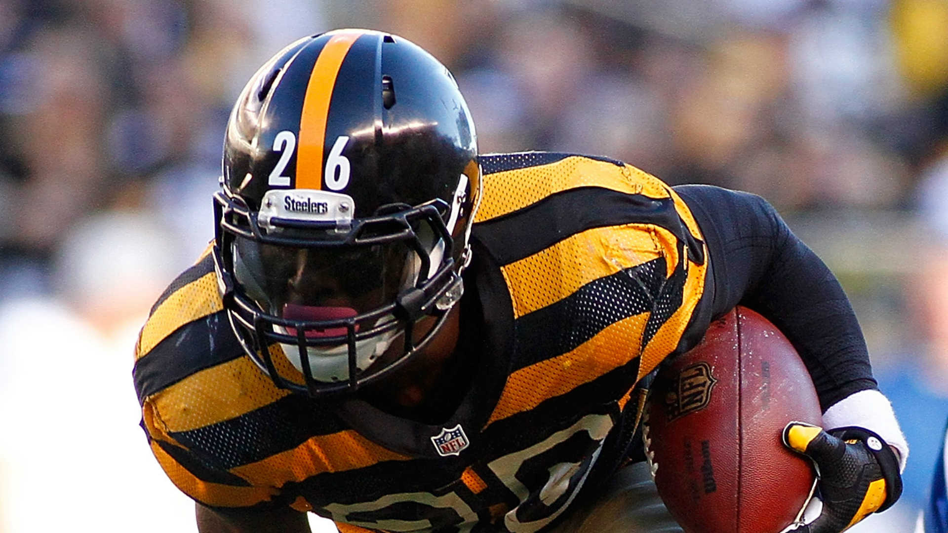 Steelers' Le'Veon Bell vows to come back stronger after groin surgery