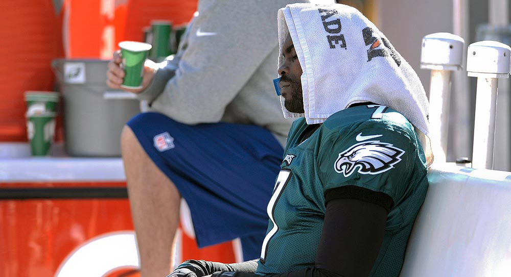Week 8 fantasy football injuries: Vick's return cut short