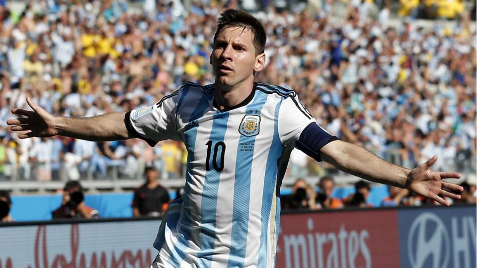 Lionel-Messi-6-21-2014-AP-FTR