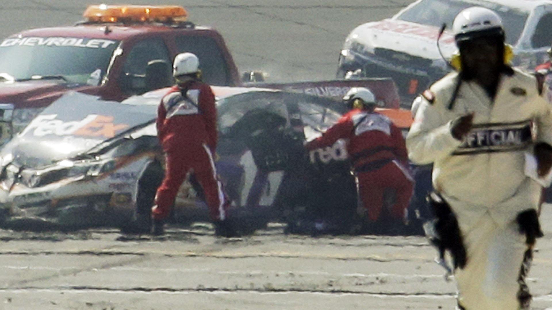 Denny Hamlin crash-020214-AP-FTR.jpg