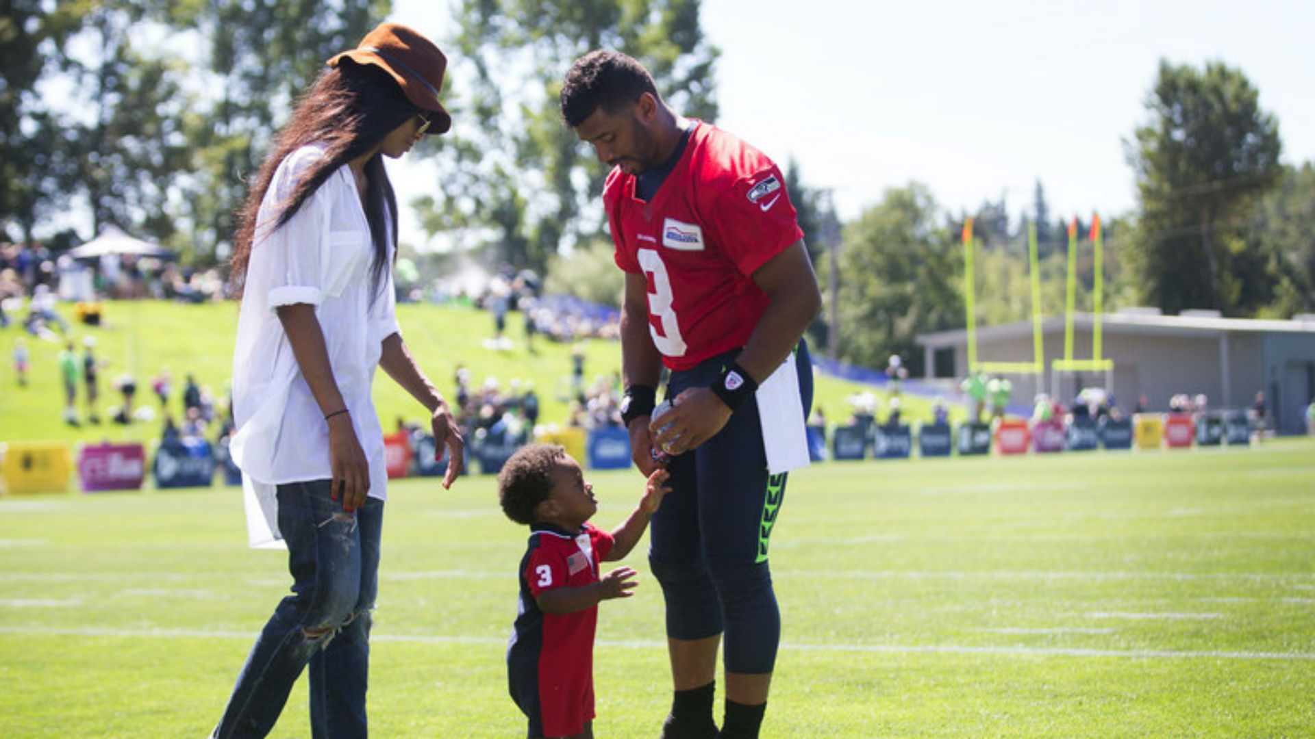Ciara stirs up drama by taking her son to Russell Wilson's training camp