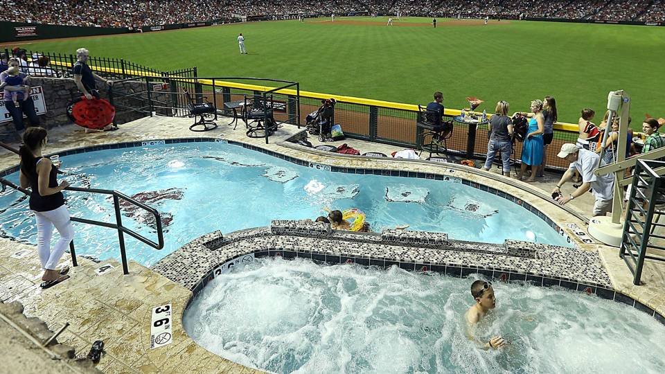 Chase-Field-pool-101017-Getty-FTR.jpg