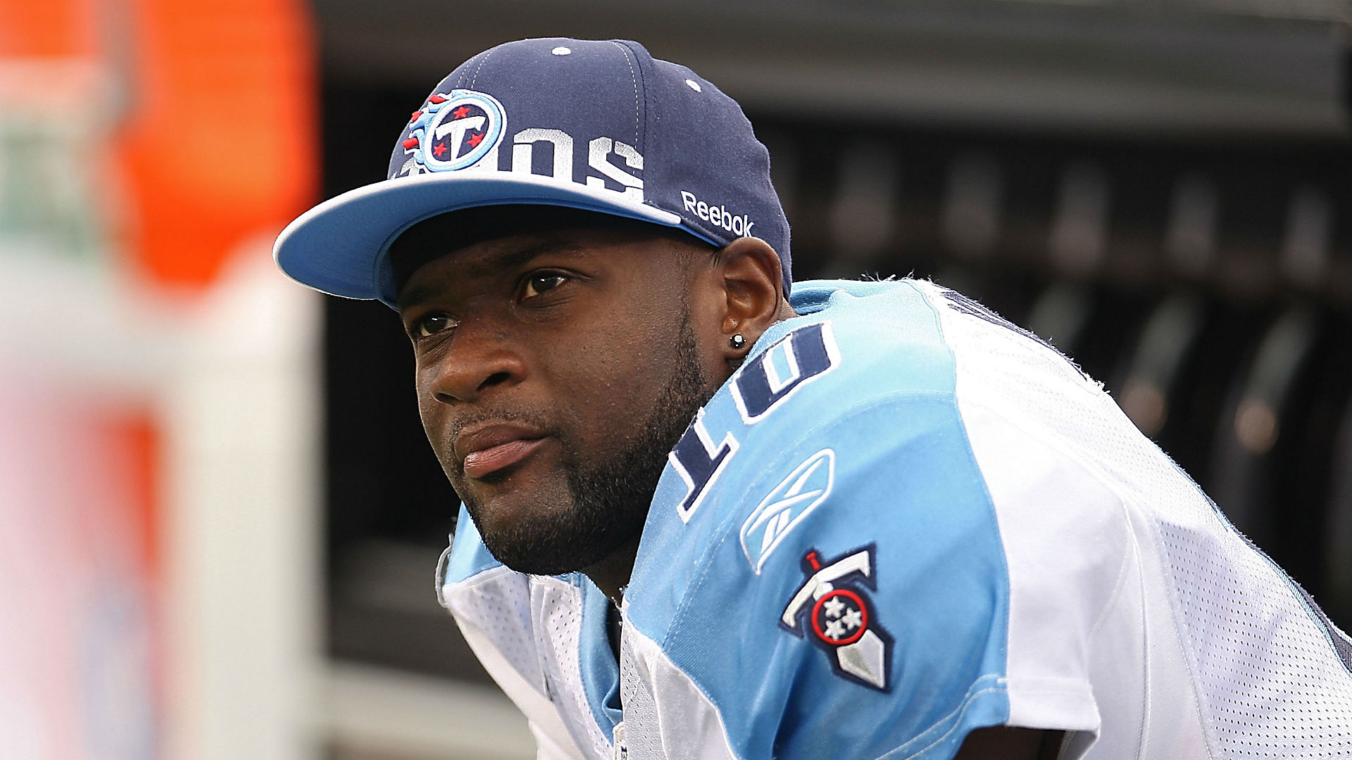Vince Young hires agent, attempting comeback