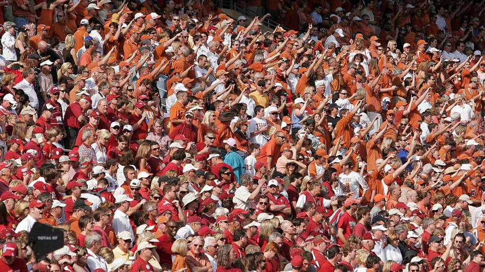 Red-River-Rivalry-FTR-040414-AP