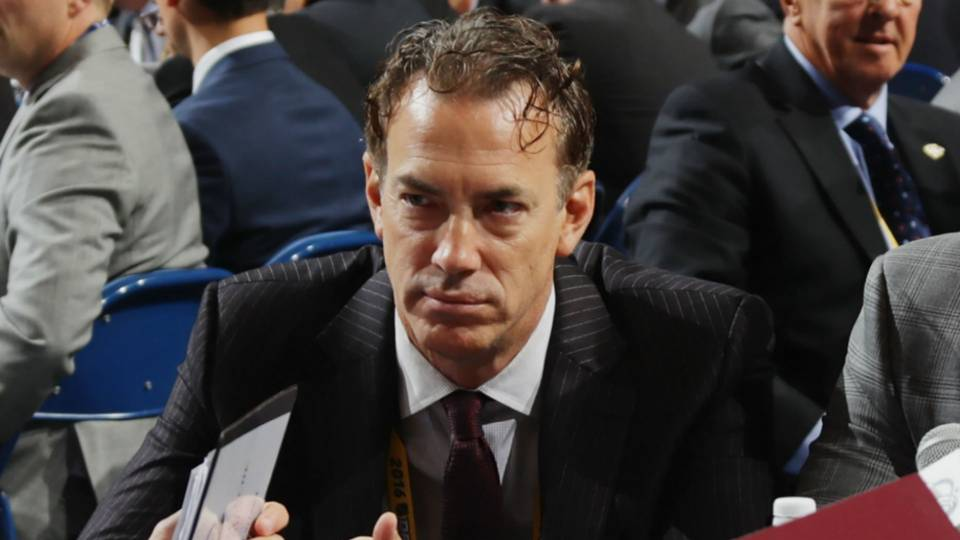 joe-sakic-081717-getty-ftr.jpg