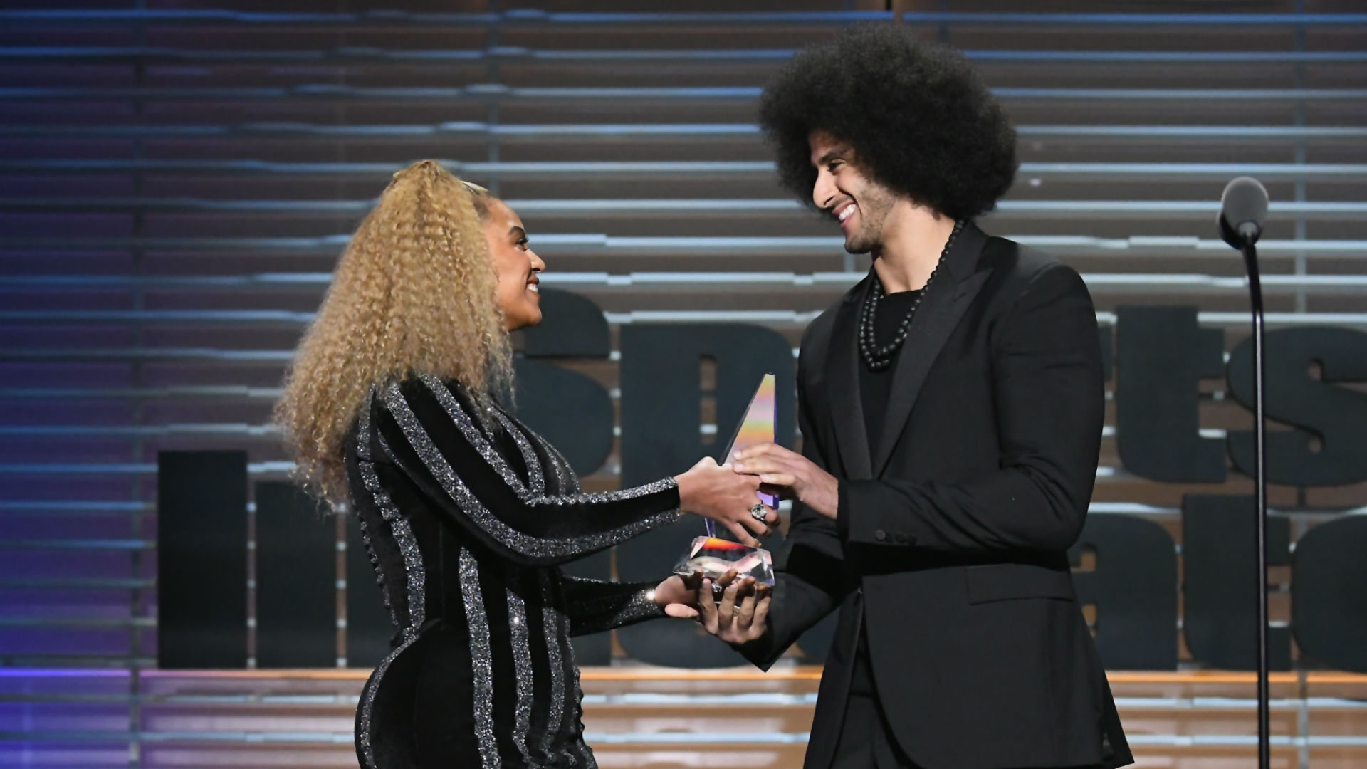 Beyoncé Presents Colin Kaepernick With SI Muhammad Ali Legacy Award
