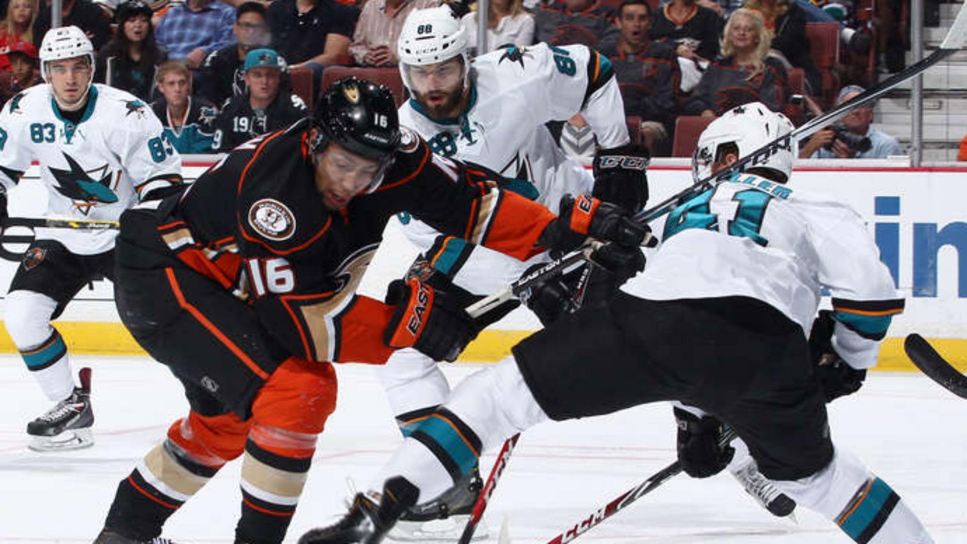 sharks-ducks-102614-FTR-NHL.jpg