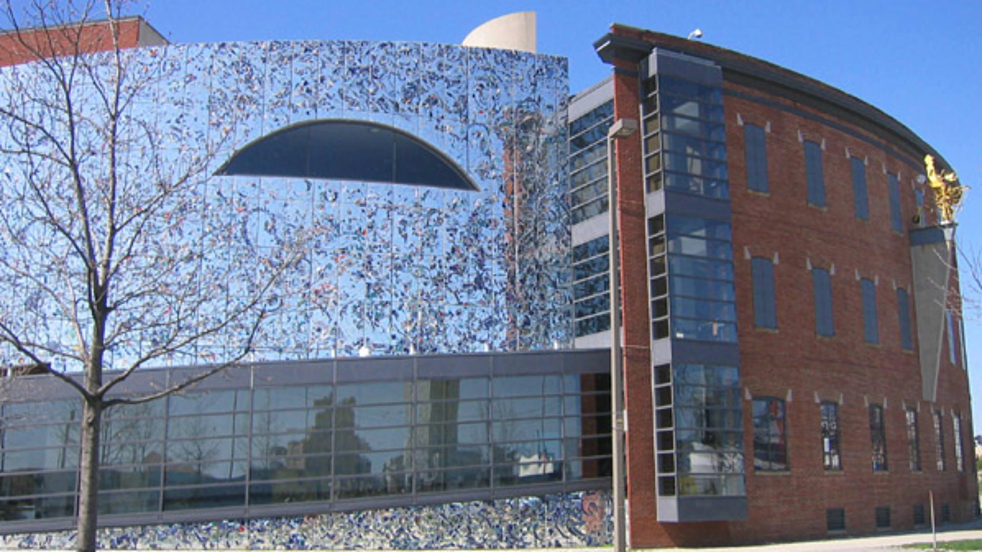 American_Visionary_Arts_Museum_Baltimore_FTR-wiki.jpg