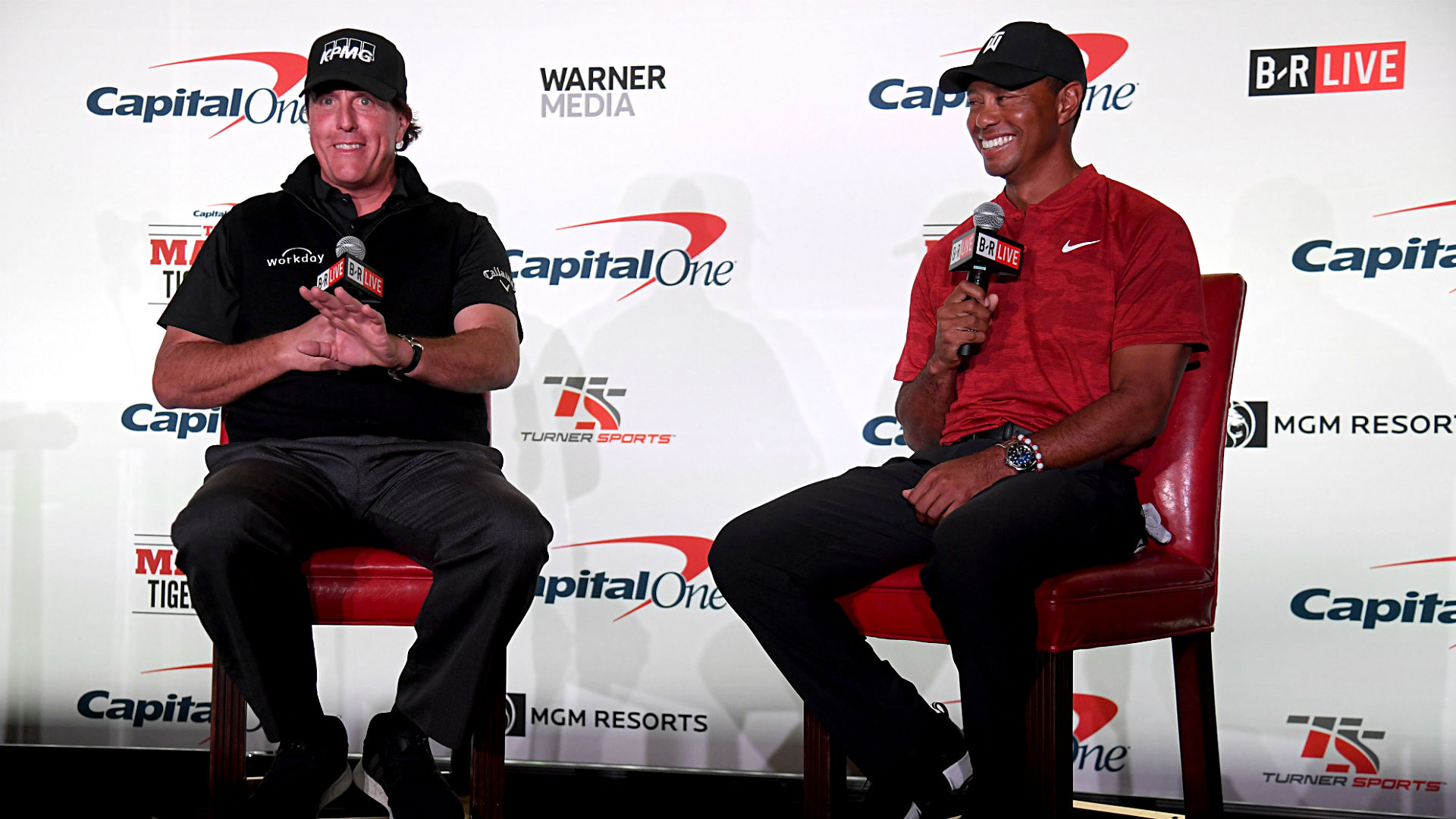 tiger woods vs  phil mickelson  live updates  score