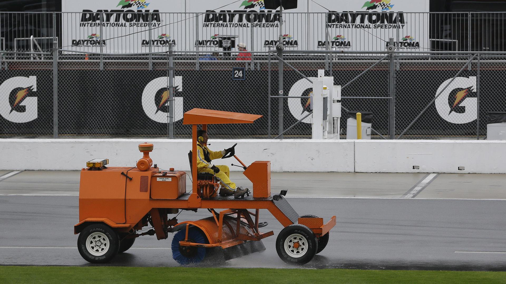 Daytona testing-10914-AP-FTR.jpeg