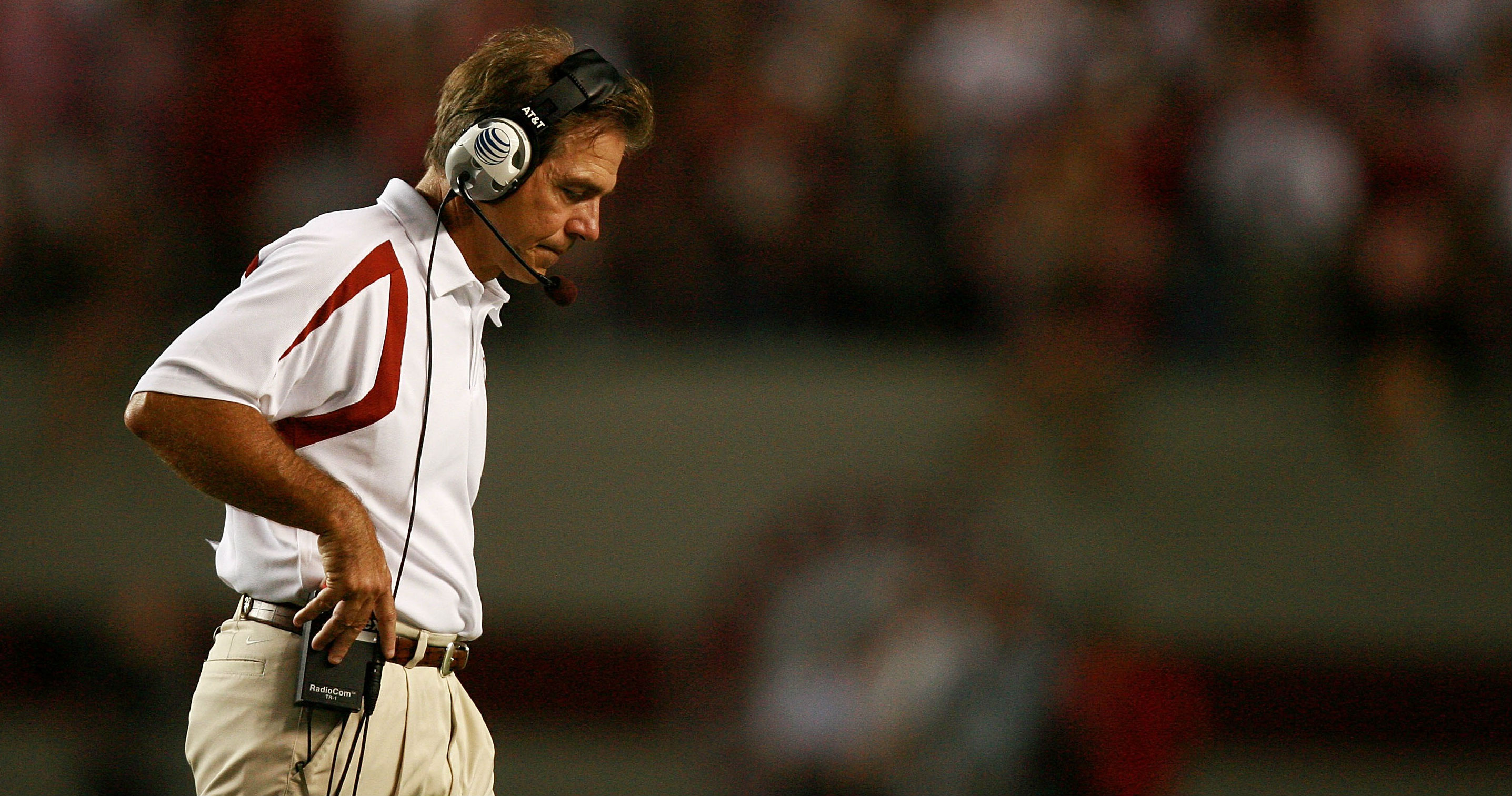 Tide assistant Davis out amid inquiry, report says