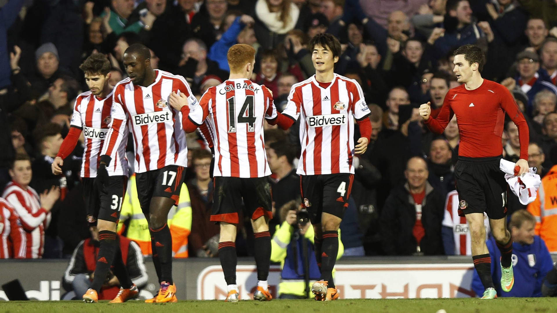 Sunderland climbs off the foot of the EPL table