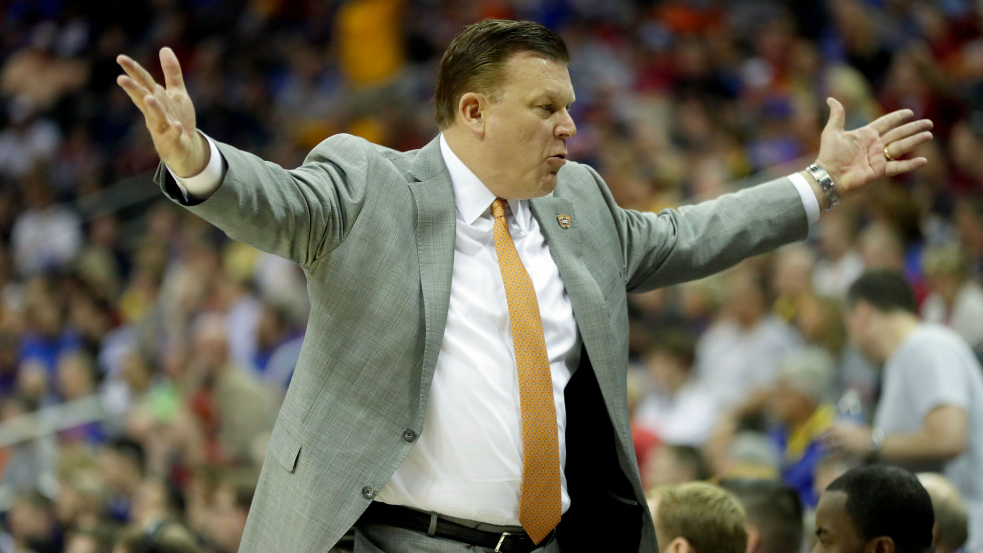 Illinois shocks the sport — and delights its fans — by hiring away OK State's Brad Underwood