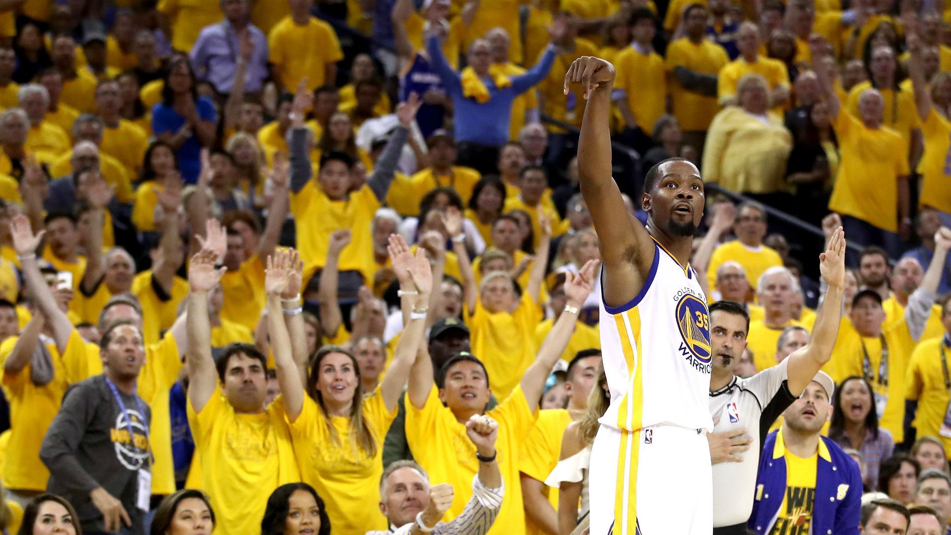 Golden State Warriors start road trip with win vs. Milwaukee Bucks