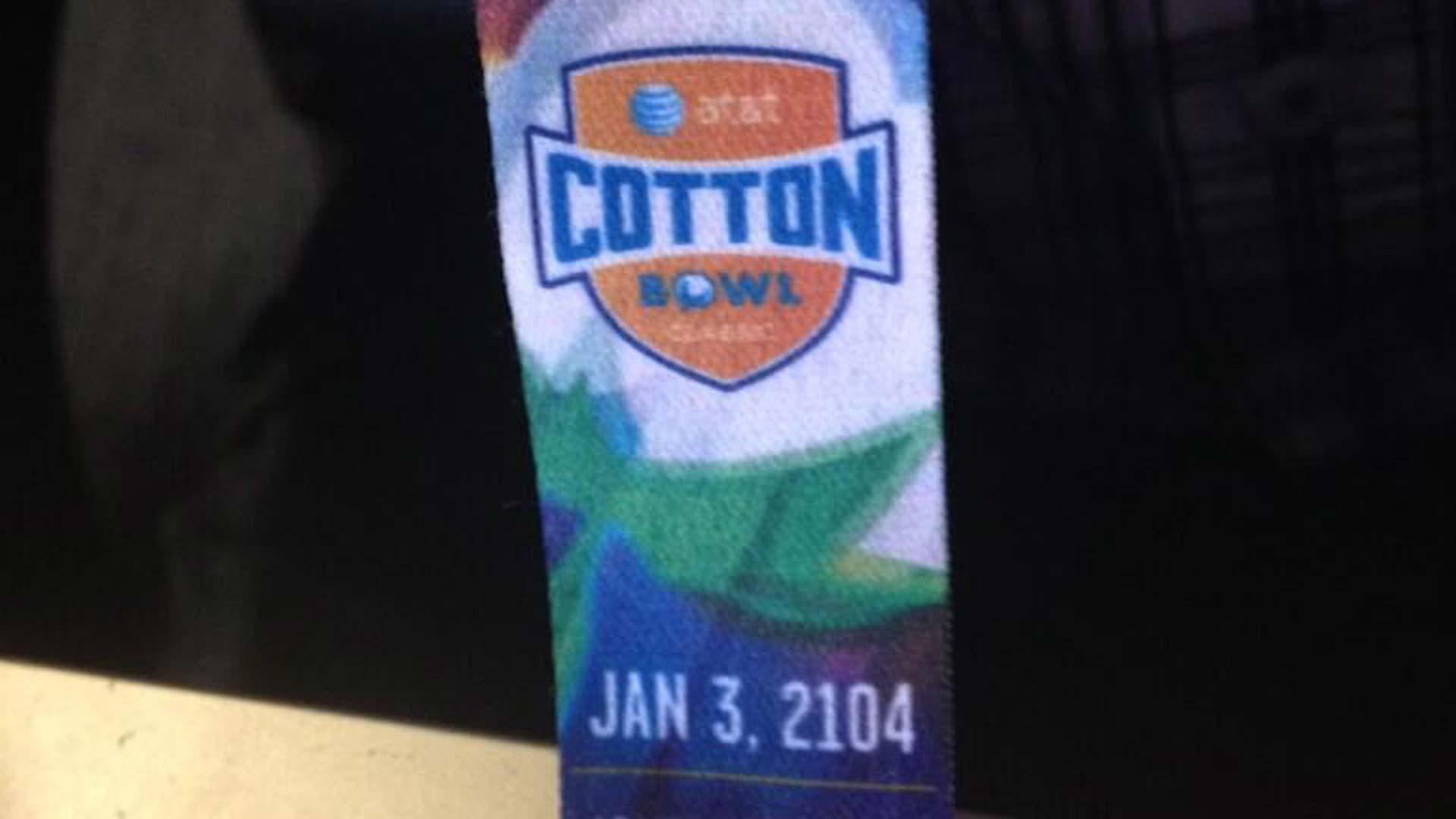 cotton-bowl-landyard-1314-twitter-ftr