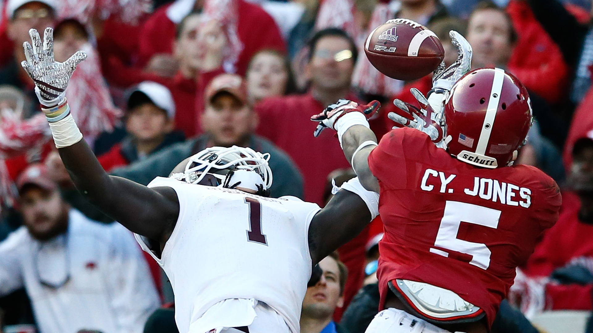 Alabama's Cyrus Jones has charges against him dropped