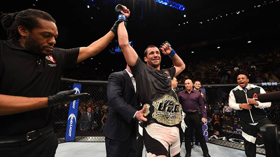 luke-rockhold-ufc-121315-getty-ftr