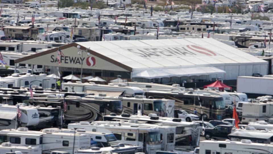 Safeway Phoenix Raceway-111315-twitter-ftr.jpg