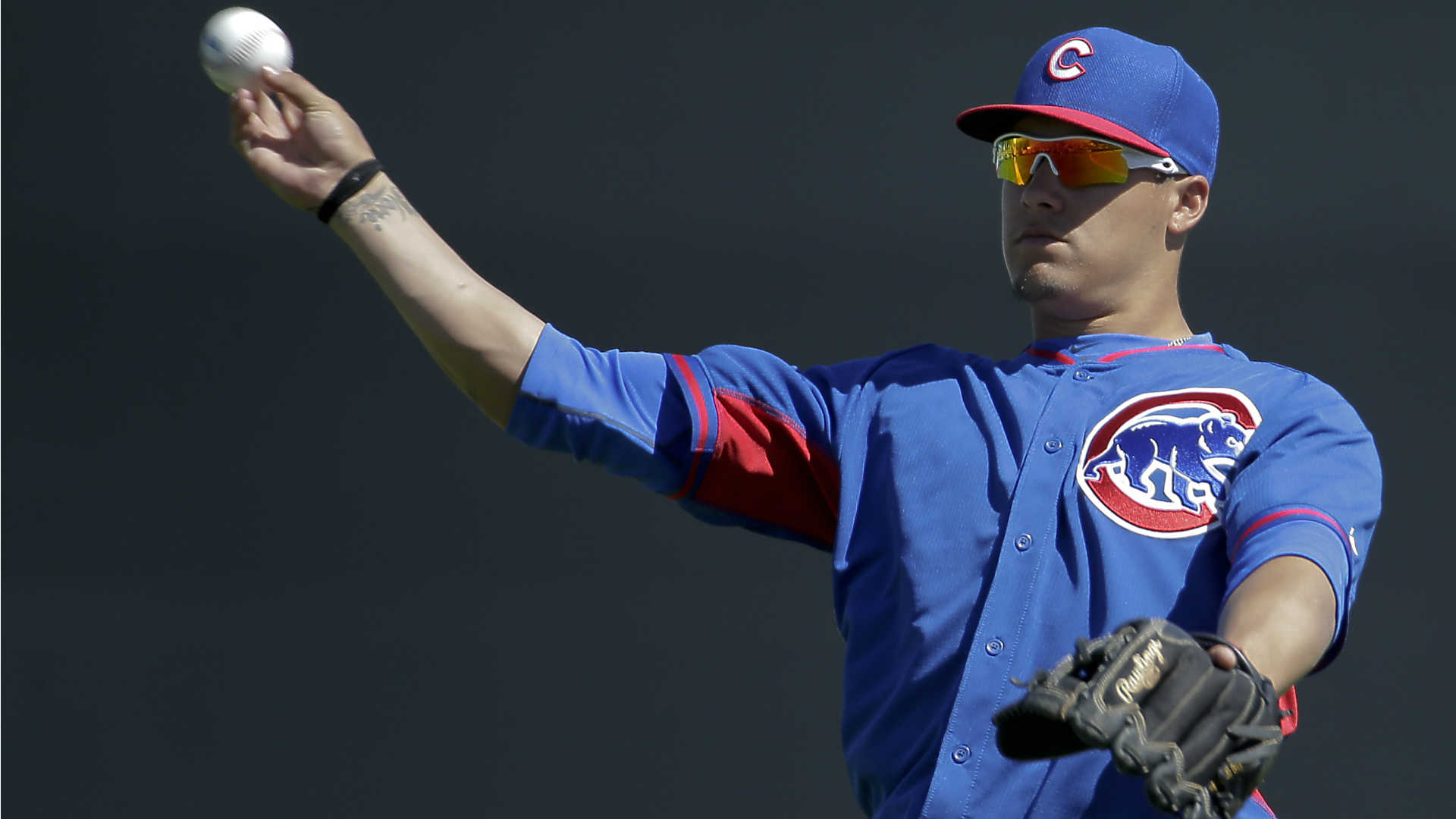 Cubs giving top prospect Baez longer look in camp