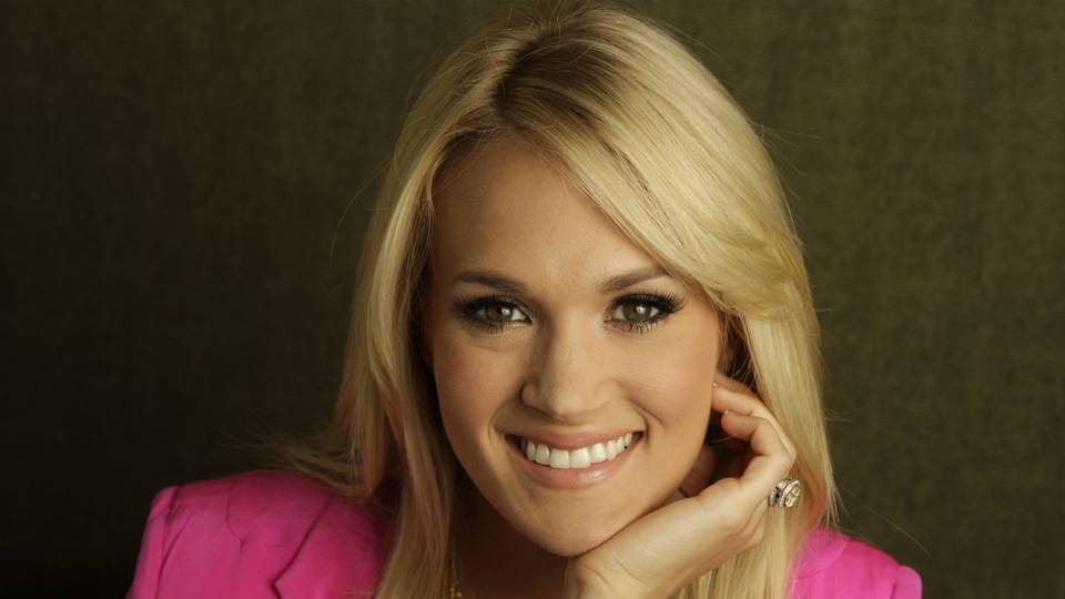 Carrie-Underwood-090114-AP-FTR.jpg