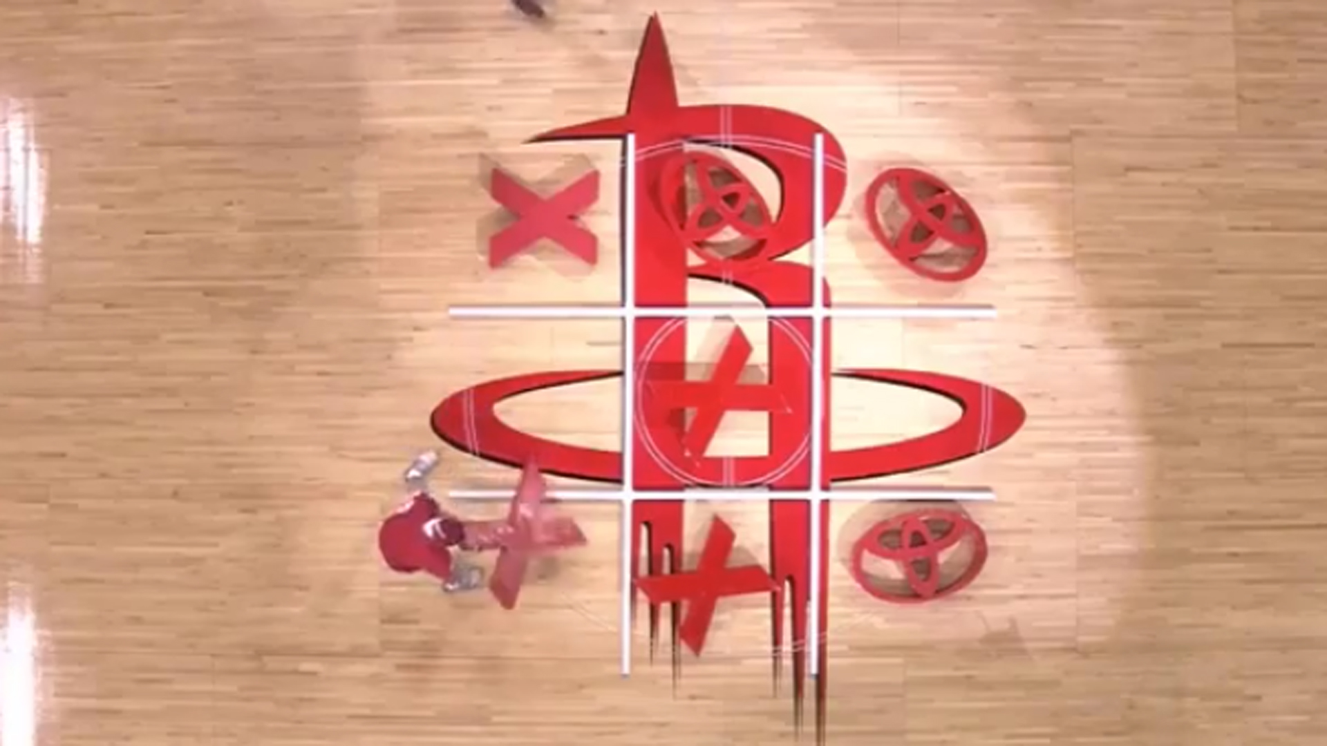 Rockets fans have no clue how to play tic-tac-toe