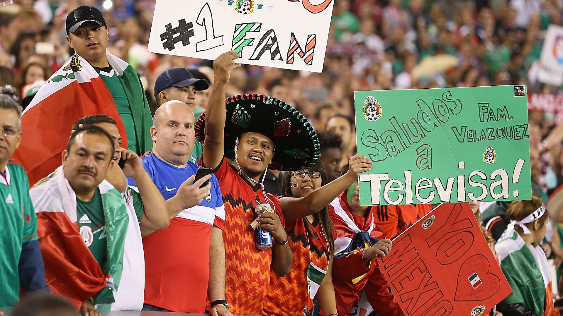 USA Mexico FANS - 101015 - Getty - fTR