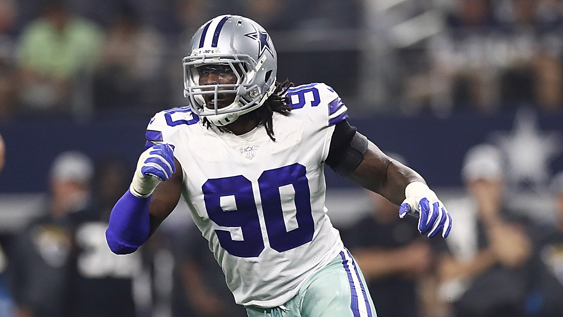 DeMarcus Lawrence says 'suck it up' to Giants fans upset over snubbed kid's autograph