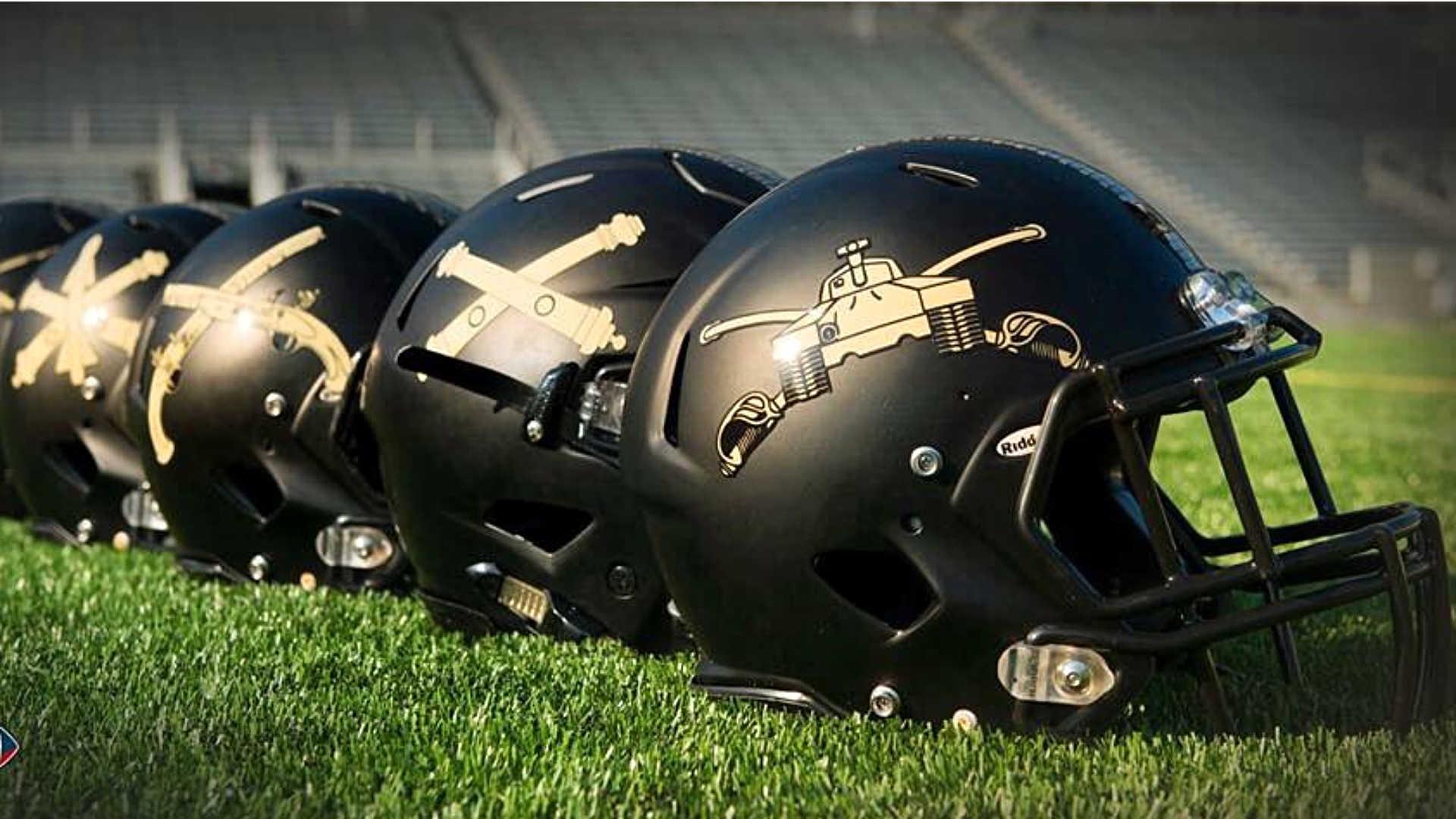 Army helmets-121215-FTR
