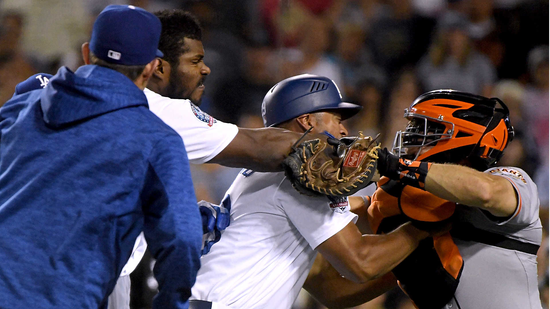 Yasiel Puig, Nick Hundley ejected after starting fight