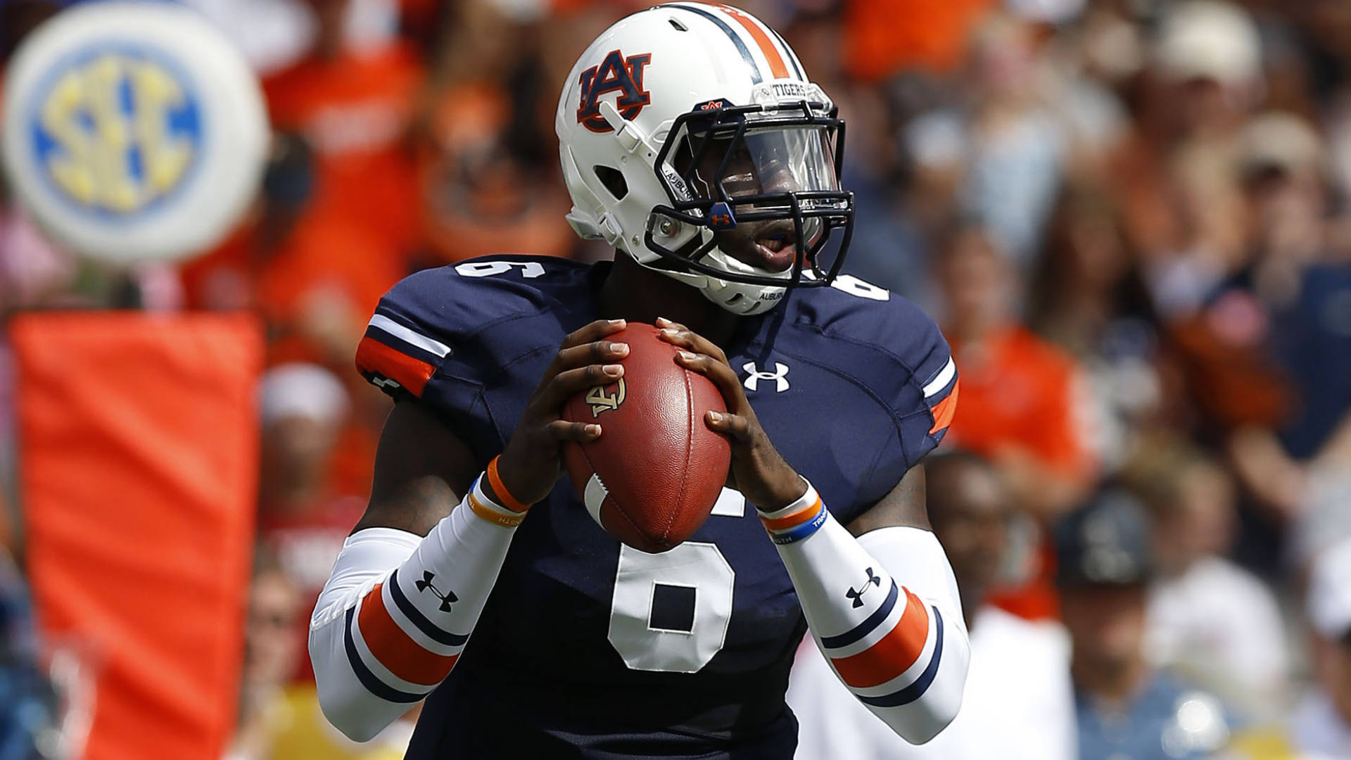 Early college football bettors jump on Auburn and Michigan, fade Arkansas, Boise State