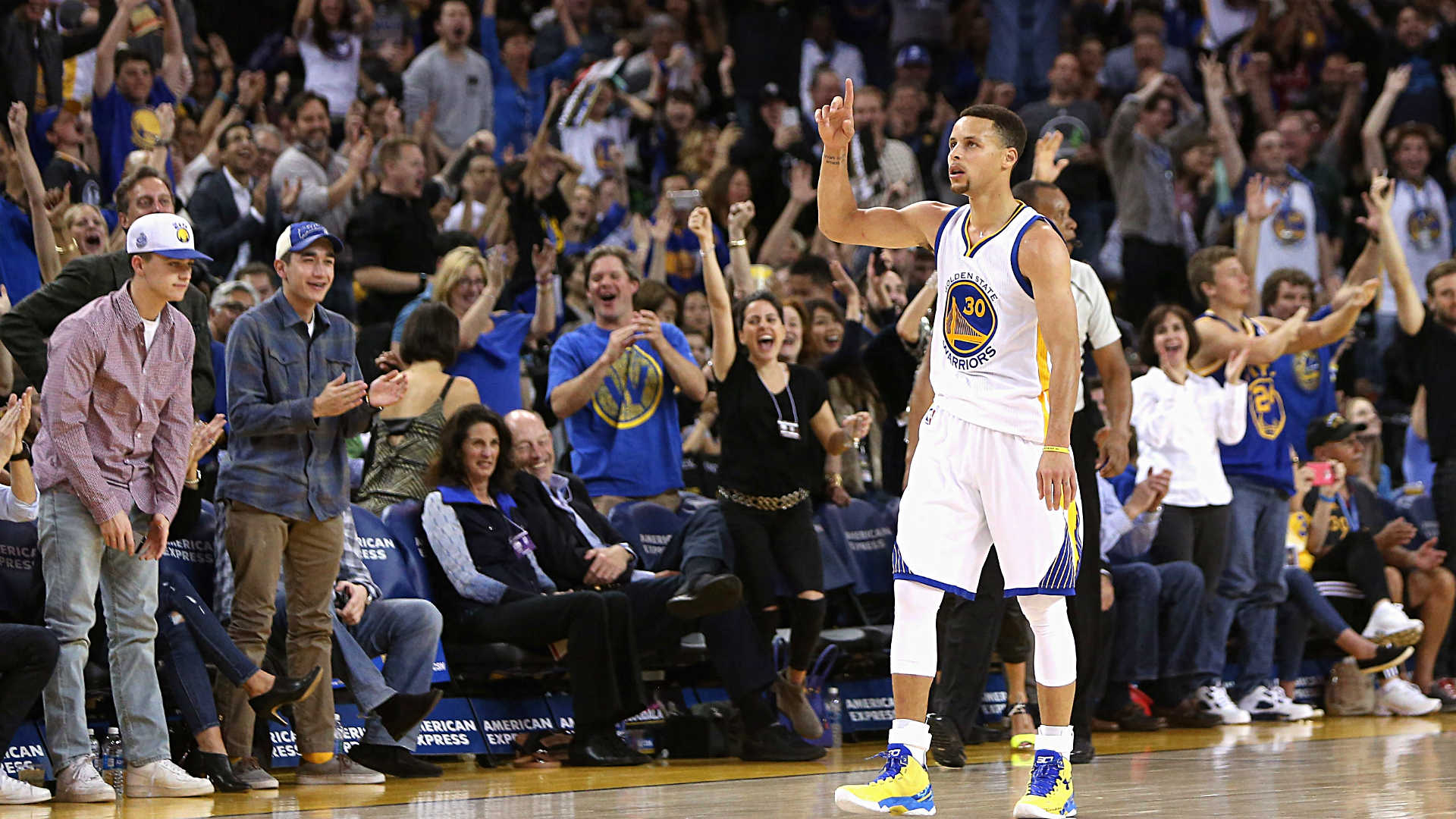 Stephen curry hits another 3 point buzzer beater reveals he isn t