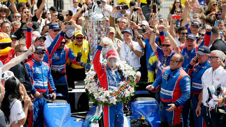 indy 500 takuma sato wins indy 500 holds off helio castroneves other sports sporting news. Black Bedroom Furniture Sets. Home Design Ideas