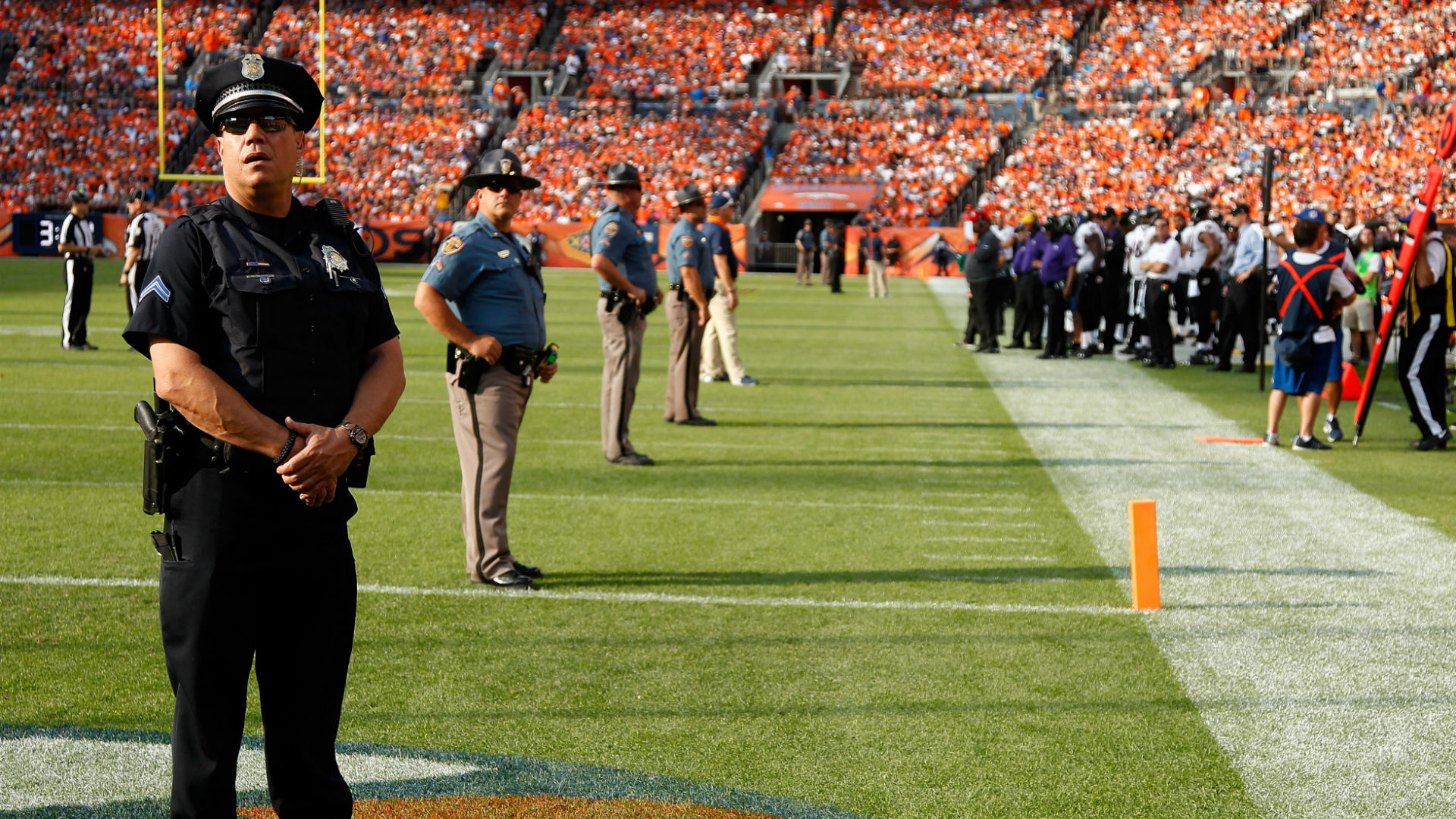 NFL stadium security-120315-getty-ftr.jpg