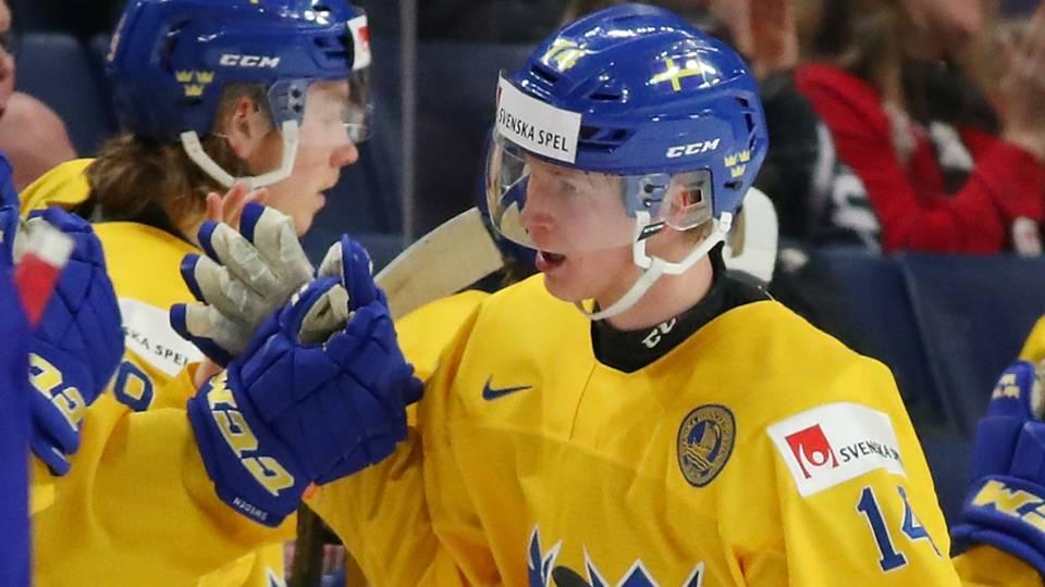 Elias-Pettersson-010417-getty-ftr.jpg