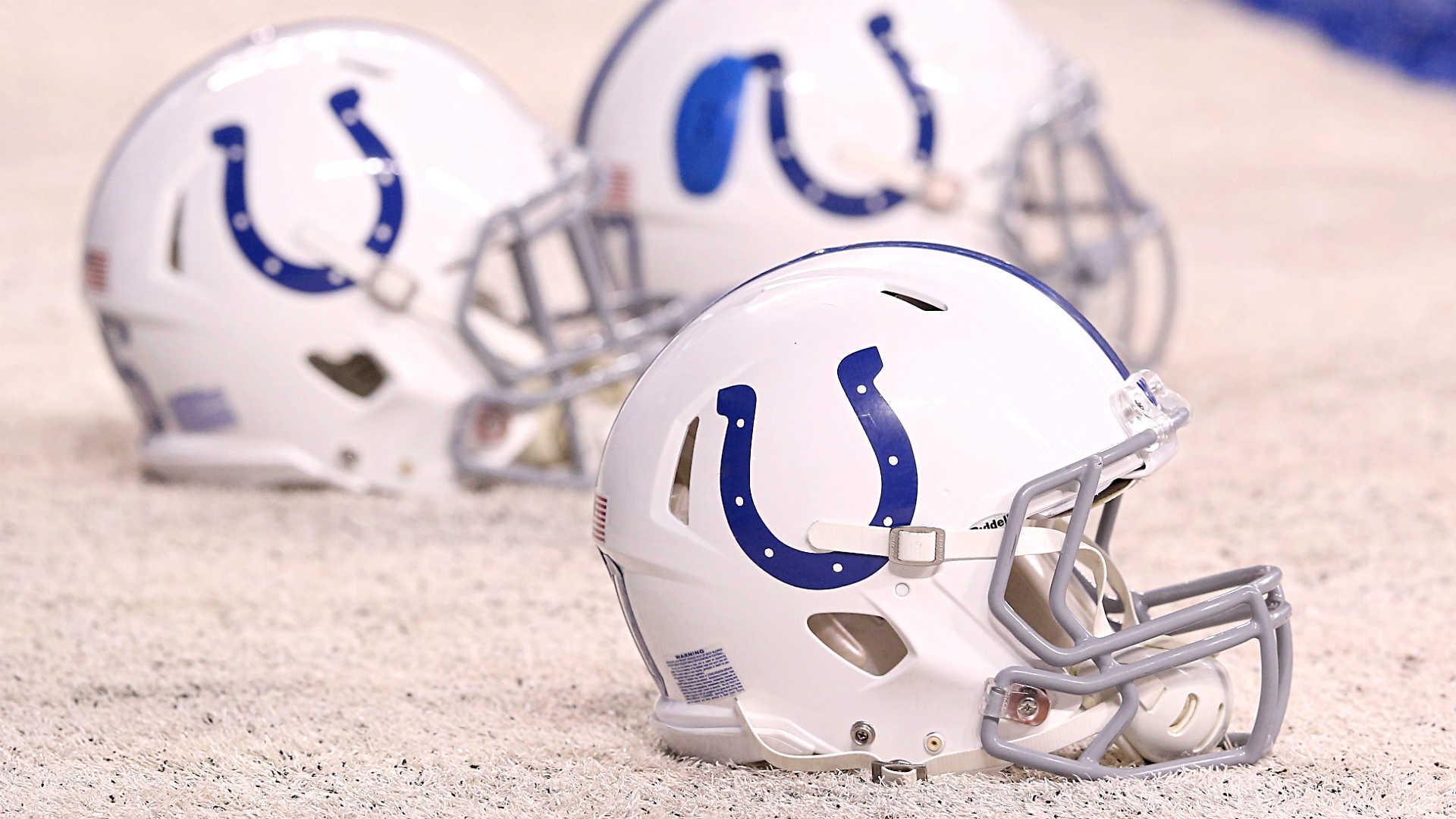Colts-helmets-022218-getty-ftrjpg_18i0sd630jaf716tqvakb6i29v