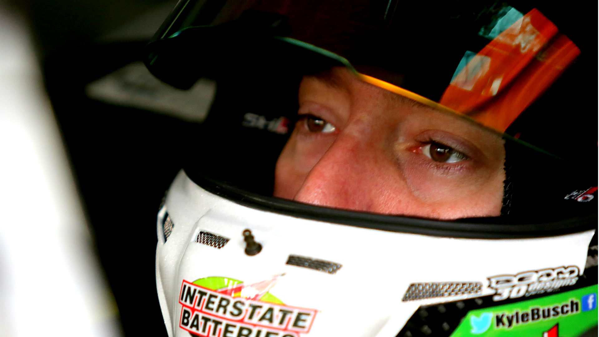 NASCAR odds and betting analysis – Harvick favored, Kyle Busch to come out swinging