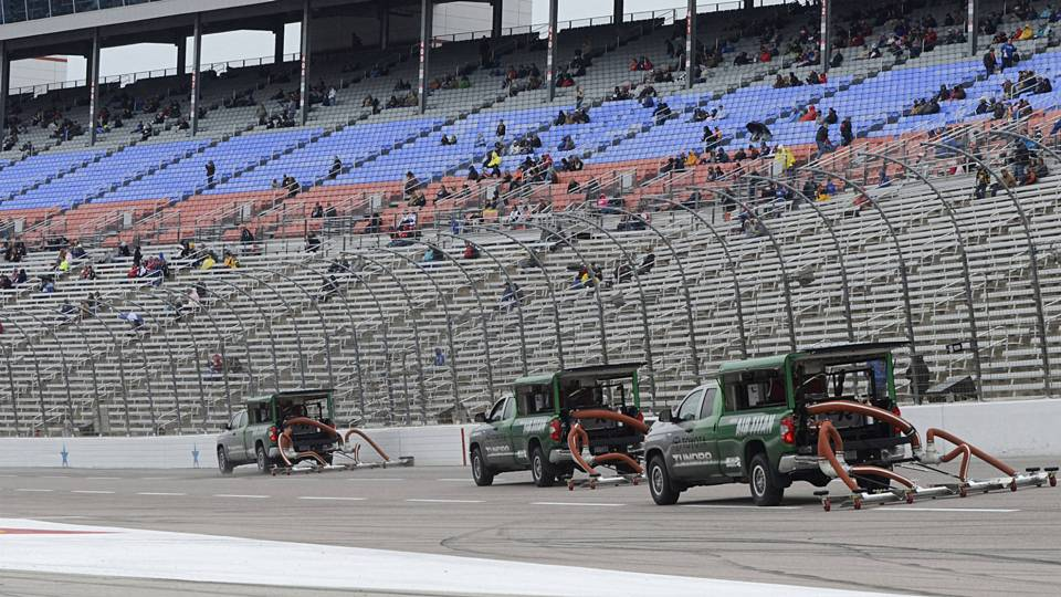 Sprint cup race at texas delayed by rain nascar for Starting lineup texas motor speedway