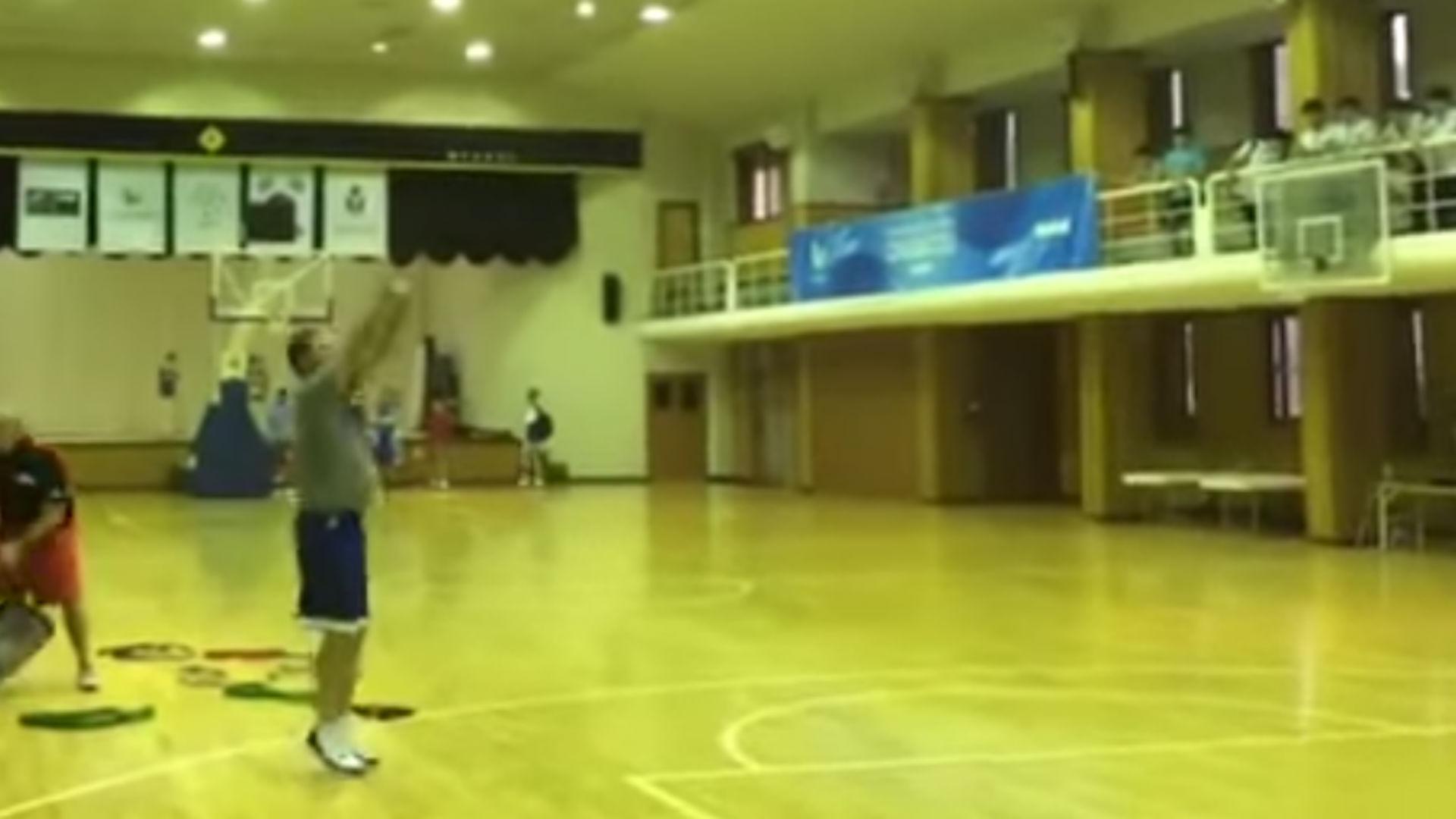 Bill Self shows off impressive shooting stroke in South Korea