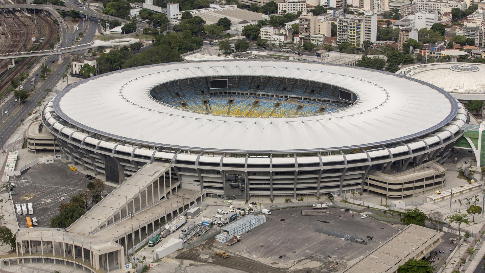 Maracana-stadium-FTR-060614.jpg
