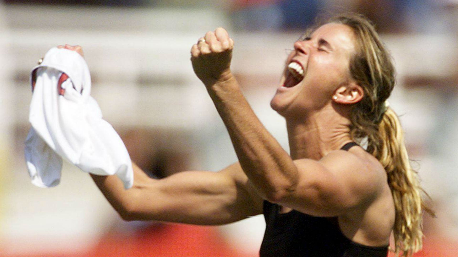 Brandi Chastain rejects $200K offers for bra from 1999 World Cup Final