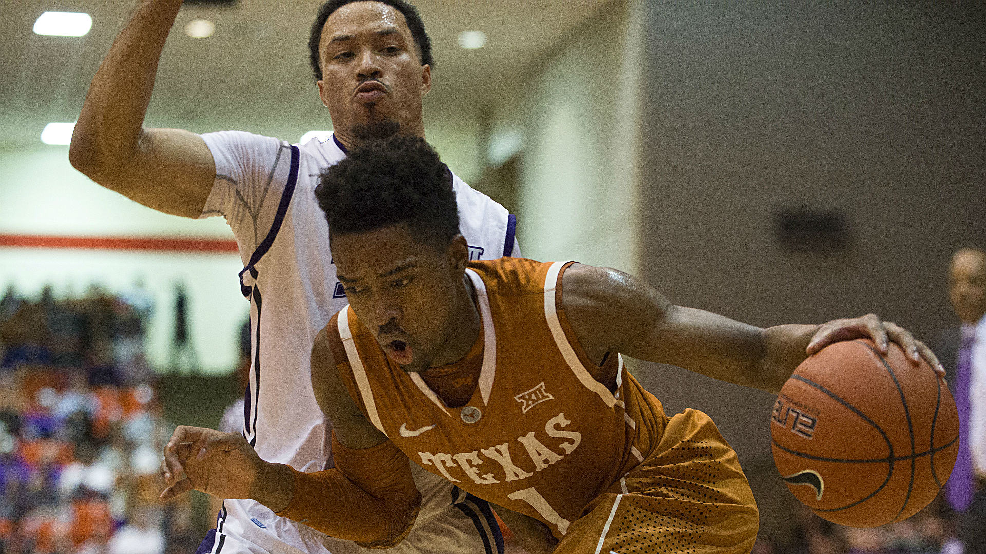 College basketball betting lines and picks – Kansas, Texas clash in key Big 12 showdown