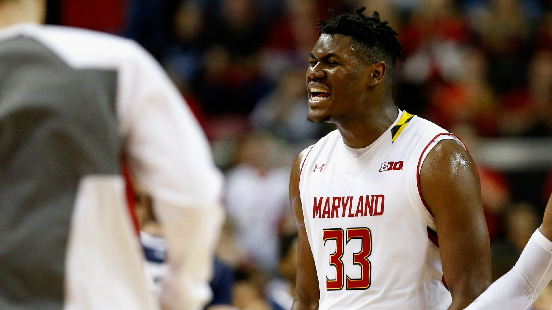 Wisconsin holds on to upset No. 2 Terps
