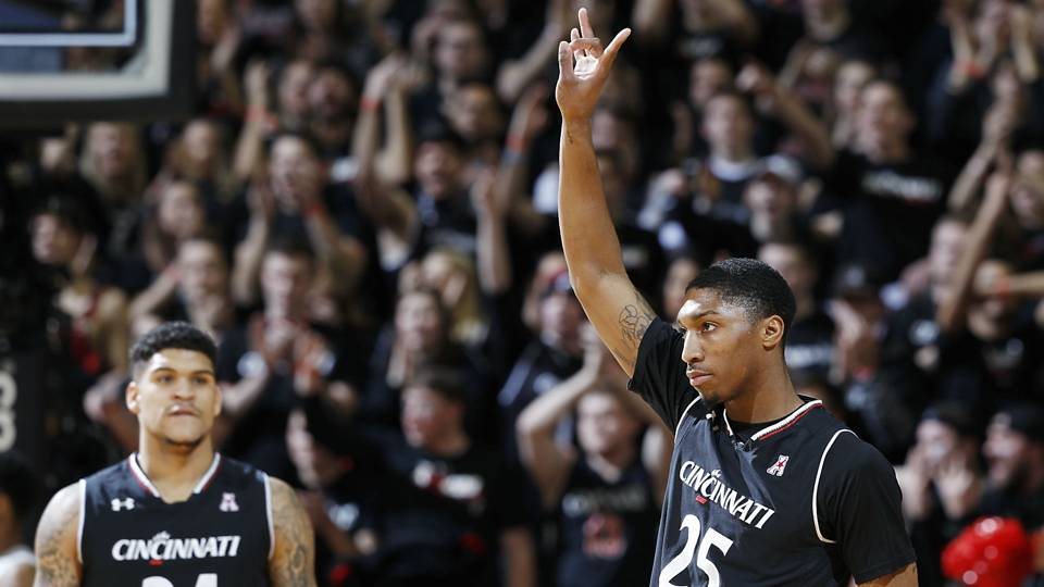 Kevin-Johnson-Cincinnati-Bearcats-Getty-FTR-012617